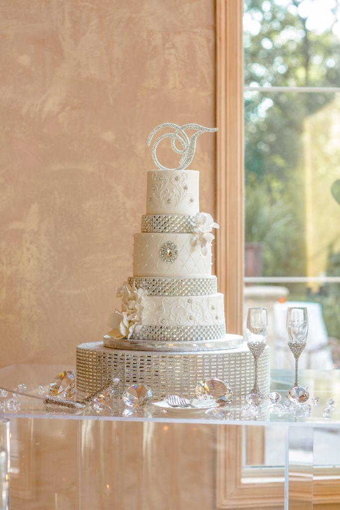 Cake-Real-Wedding-Danielle-Michael-Doyin-Fash-Wedding